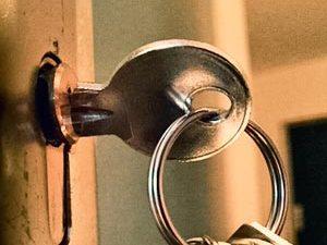 Tür zugezogen